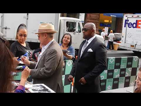 BlackList: James Spader takes time with his fellow fans