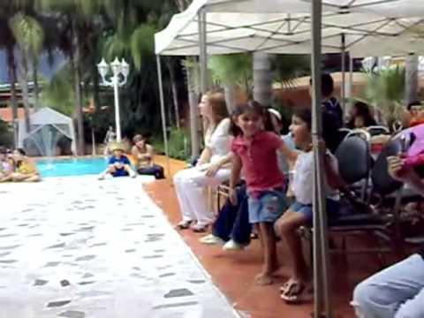 Pi ata alberca youtube for Albercas de plastico para ninos