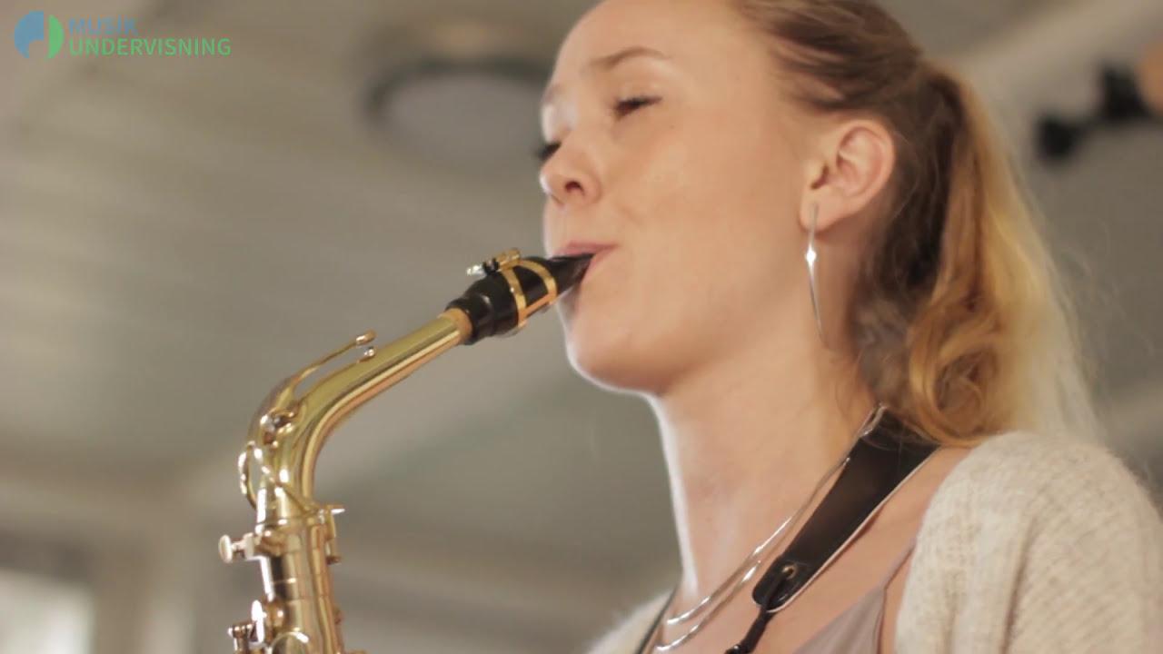 Vores saxofonlærer Aina præsenterer sig selv!