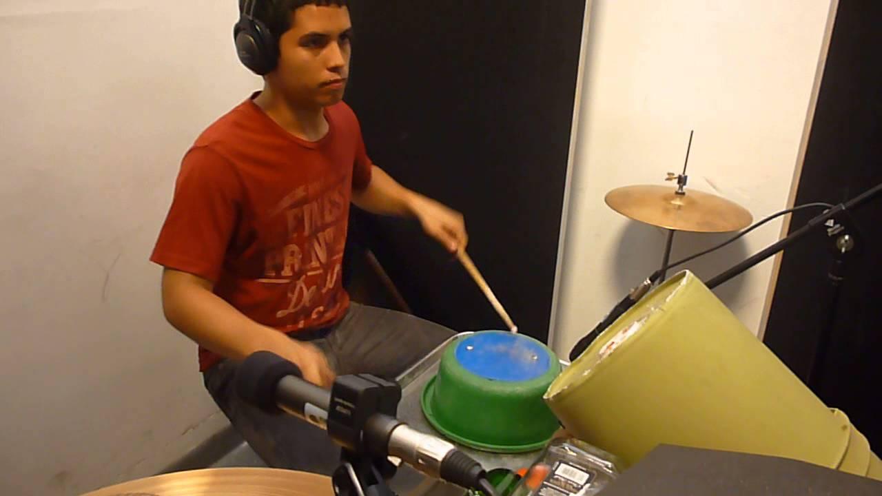Grabacion de bateria elaborada en material reciclado - Jertz Band
