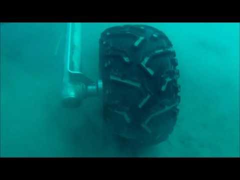 Enterramiento de cable submarino en el fondo marino/Submarine cable burial under the seabed