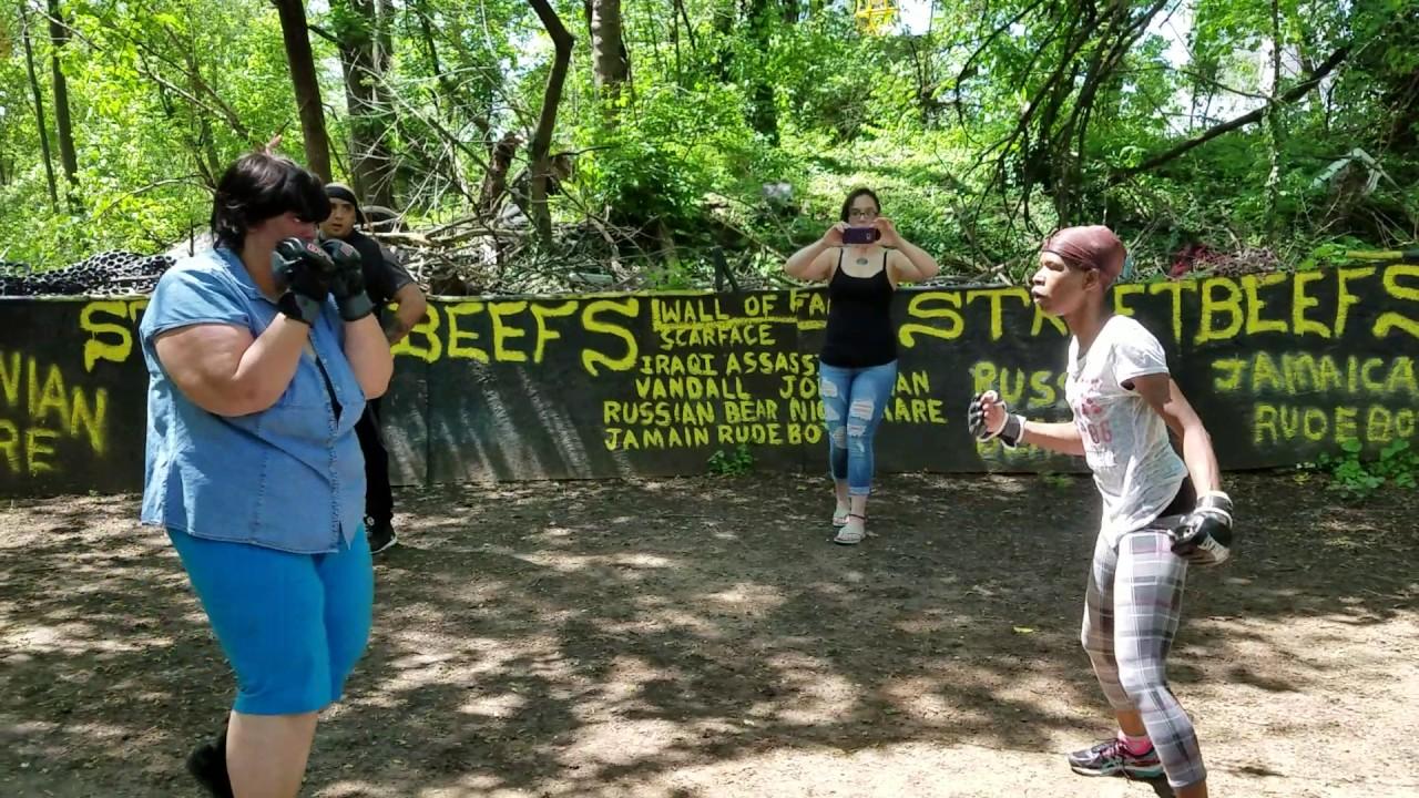 STREETBEEFS BEEF FIGHT BETWEEN WOMEN - YouTube