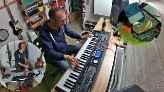 Roland VR-09 with external effects (Feliz Navidad Jam)