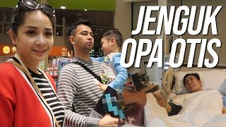 Download JENGUK OPANYA RAFATHAR DI SINGAPORE Mp3 and Videos