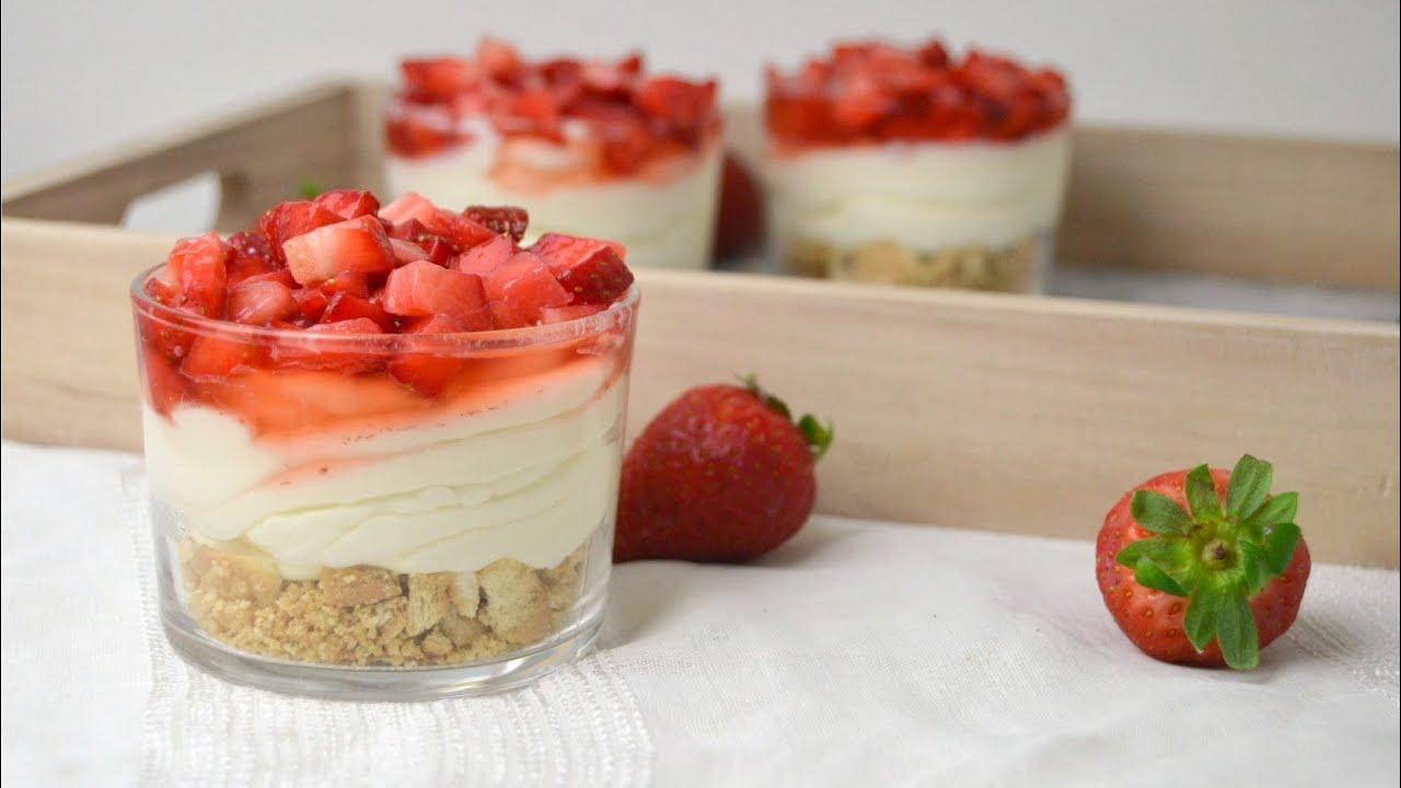 Vasitos de tarta de queso con fresas postre f cil youtube - Postres con queso de untar ...