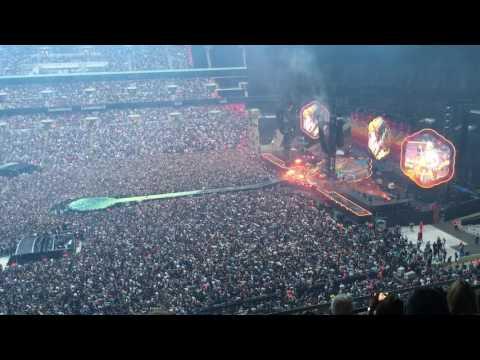 Coldplay Scientist  at Wembley 2016