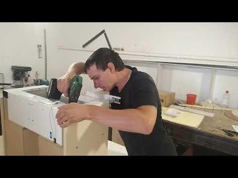 Как крепится вытяжка в навесной шкаф.