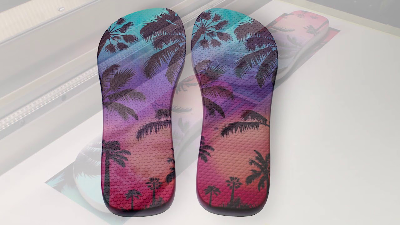 e3dfdaaa18384 Digital printing on shoes and flip flops - Eagle UV 70 - YouTube