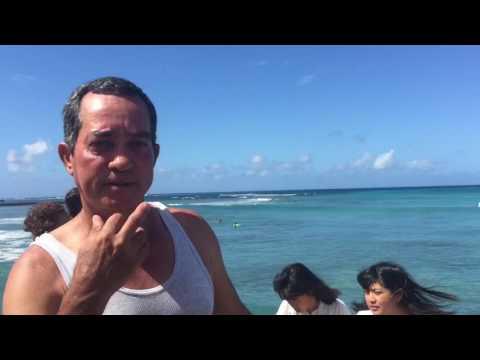 Efrain Arévalo reportando desde Waikiki Beach isla de O'AHO en Honolu capital de Hawaii Agosto  2016