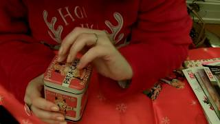 ASMR: chuhotement/whispering, gum chewing, cookies& les choses qui nous rendent heureux/ses