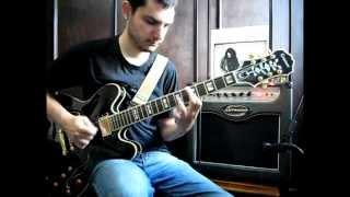 """Gabriel Floriani tocando os solos de guitarra de """"Goodnight Song"""" d..."""