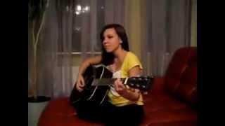 """Очень милая девушка с красивым голосом , исполняет песню """"Война"""" на гитаре . [cover Фактор 2]"""