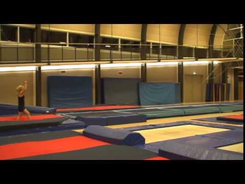 Rondat flik salto (lukket, hofte, strakt)