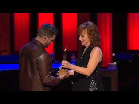 Dustin Lynch is inducted as an Opry member