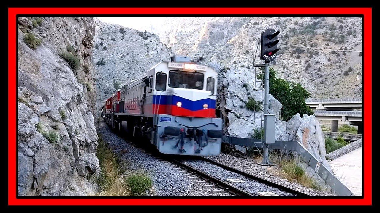 Belemedik Tren İstasyonunda İki Yük Treninin Buluşması  DE33000 & DE24258 + DE24000
