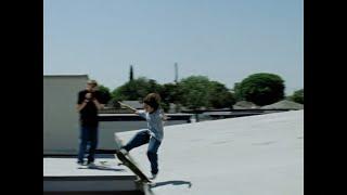 『マネーボール』などの俳優ジョナ・ヒルが初監督を務め、自身の経験を基につづる青春ドラマ。1990年代のロサンゼルスで、少年がスケートボードを通して仲間たちと出会い ...