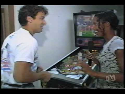 Pinball History: FX visits Williams for WCS '94 game, part 1