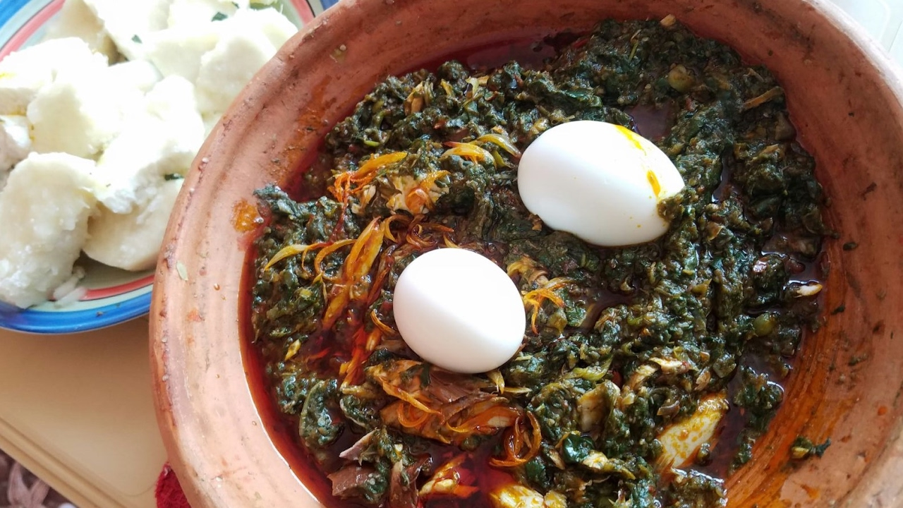 Cocoyam leaves or kontomire leaves stew