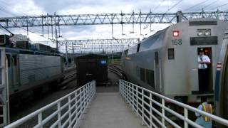 Amtrak Train 148 changes engines in New Haven