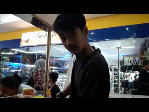 DVLOG#1 Wisata Kuliner Ice Cream Roll (Bengkulu)