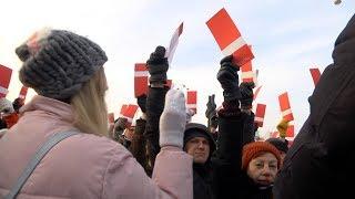 Екатеринбург стройными колоннами голосует за Навального
