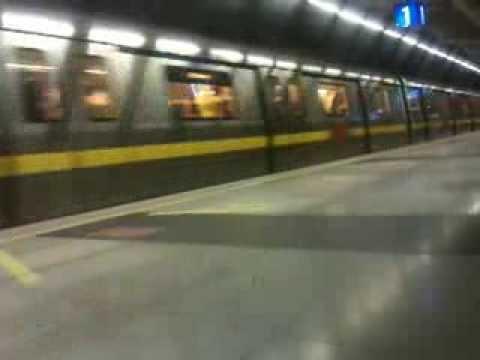 Delhi Metro Train Accident Yellow Line Gurgaon 2013 !!!