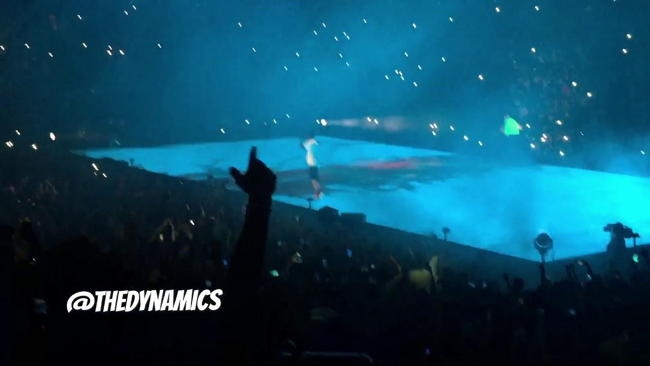 893853ddf576 Drake Brings Out Travi$ Scott at Madison Square Garden NYC (8/28 ...