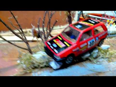 Diorama Fiat uno..feux de détresse. (1/43)