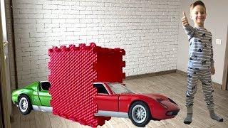 Превращаем машинки в красный цвет. Волшебный тоннель. Видео для детей.