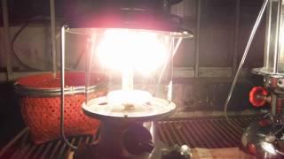 Sea Anchor lantern (Petromax) vs Coleman Premium Dual Fuel