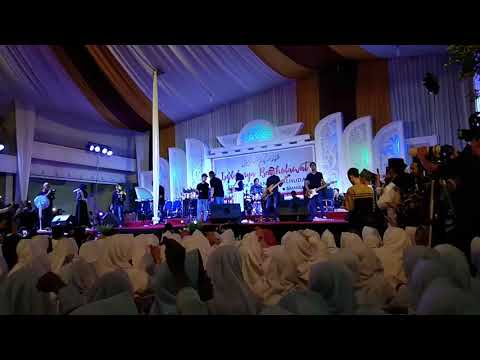 Maulana Ya Maulana - Nisa Sabyan Live di PP AL-HUDA Kebumen