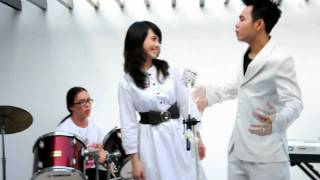 Cảm Xúc Đầu Tiên -Triệu Hoàng ft Miss Teen Huyền Trang(Official)