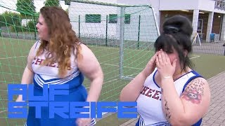 Mobbing Attacke gegen die Cheerleader - Hat es sich ausgetanzt? | Auf Streife | SAT.1 TV