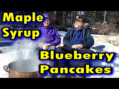 Making Maple Syrup / Cooking Blueberry Pancakes / Off Grid Cabin Ep 29
