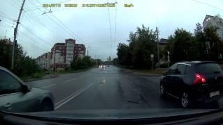 Ауди А6 оторвало мост (Мурманск, 12.07.2014)