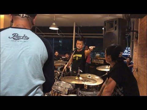Andyan Gorust dan suhu Sandy Pas Band - Belajar Drum