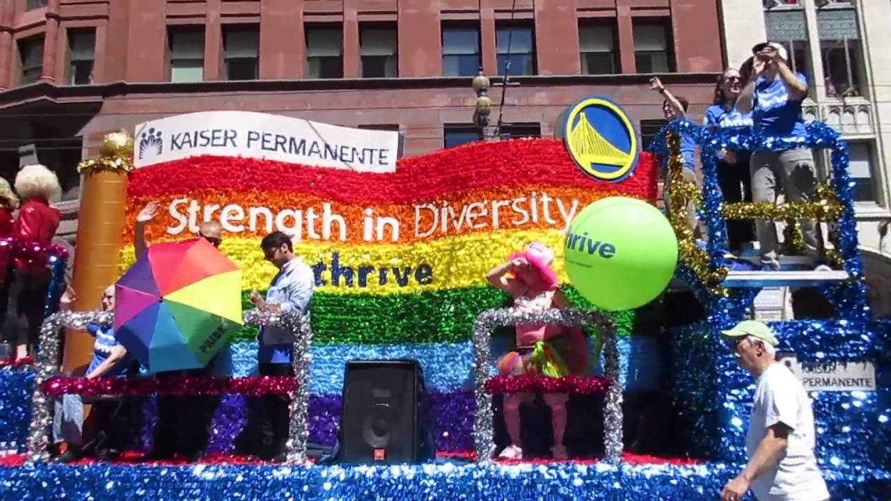 Gay Pride Parade In San Francisco - Dykes On Bikes Lead