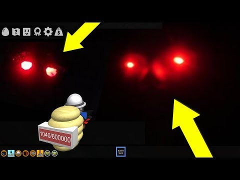 DO NOT PLAY BEE SWARM SIMULATOR ON A BLOOD MOON *CREEPY SECRETS* (Roblox)