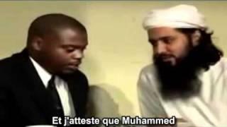 Tous pleurent après la conversion à l'Islam d'un anglais....