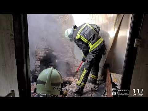 Sofocado un fuego en una vivienda deshabitada que alberga animales en Cervatos