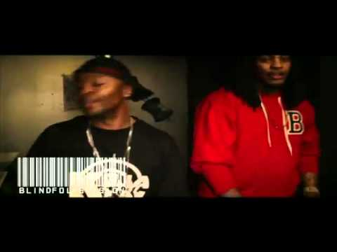 Video  Waka Flocka Gives Brick Squad Monopoly Chains To His Artists!