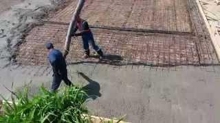 Заливка бетона с помощью бетононасоса.(Компания