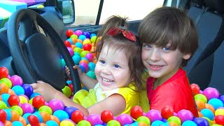 Five Kids Family We are in the car | Wheels On The Bus Song Nursery Rhymes & Children's Song