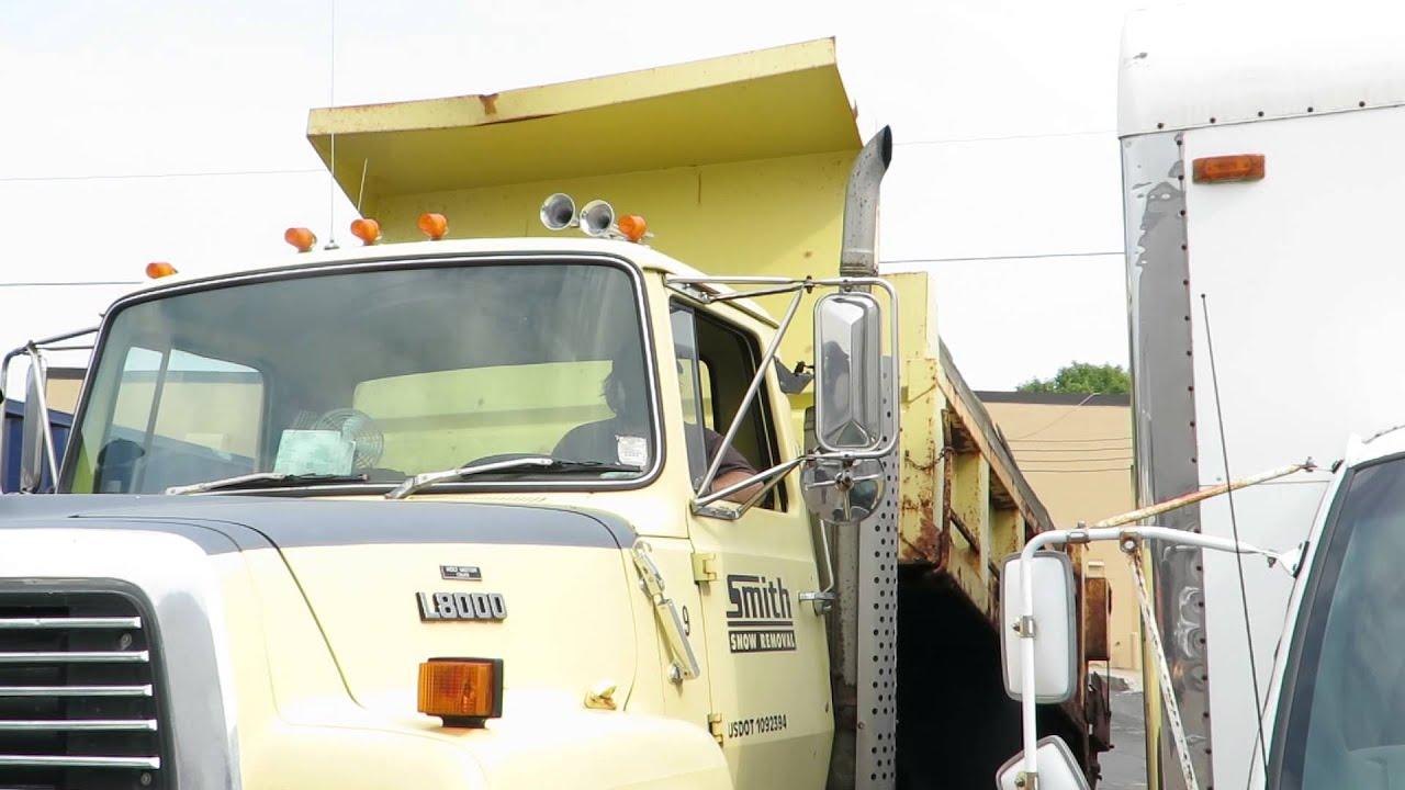 Lot 13 1987 ford l8000 dump plow truck