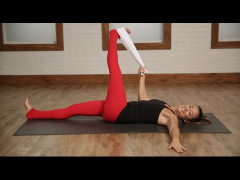 Day 9: 5-Minute Towel Stretch For Long and Lean Limbs | Class FitSugar
