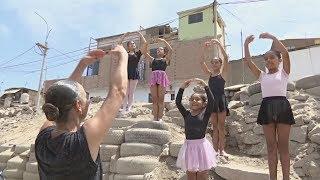 В Перу детям из бедного района бесплатно преподают балет