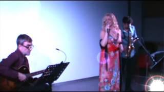 COM UN FAR - Voicing Blue - Joan Oliveres