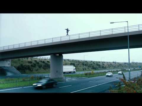 Muerte de un superhéroe. Death of a Superhero - Trailer
