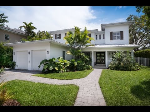 Immaculate Key West-style Home on expansive corner lot with gorgeous Tropical Landscaping -- LPG
