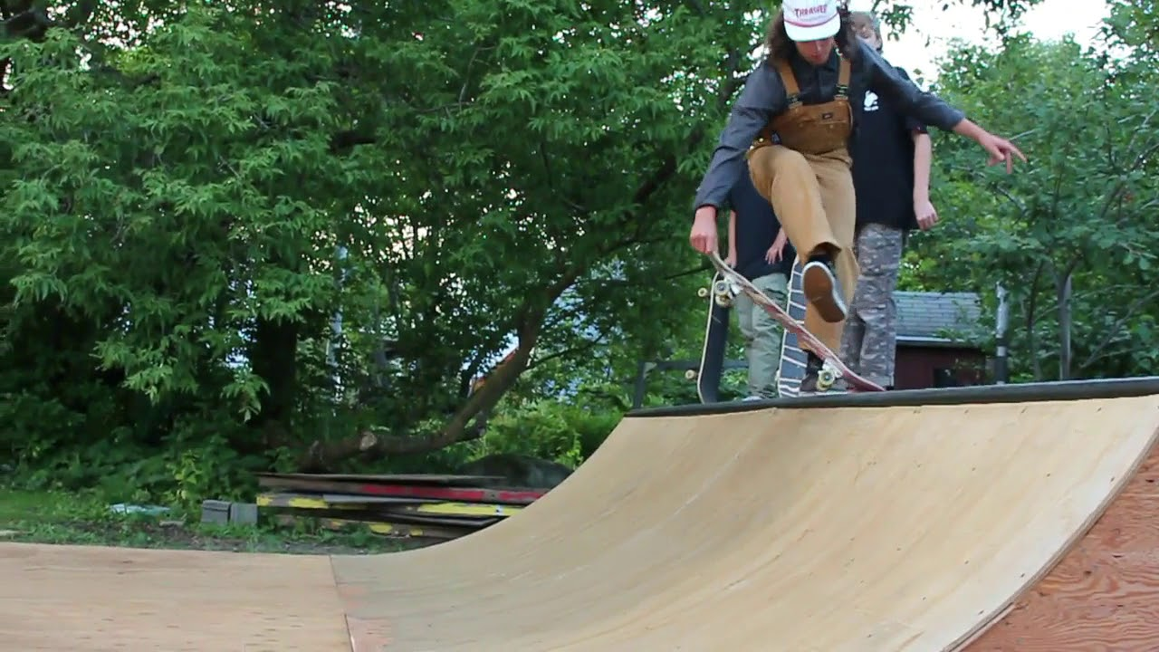 backyard mini ramp session skate u0026 hang bum 2017 youtube